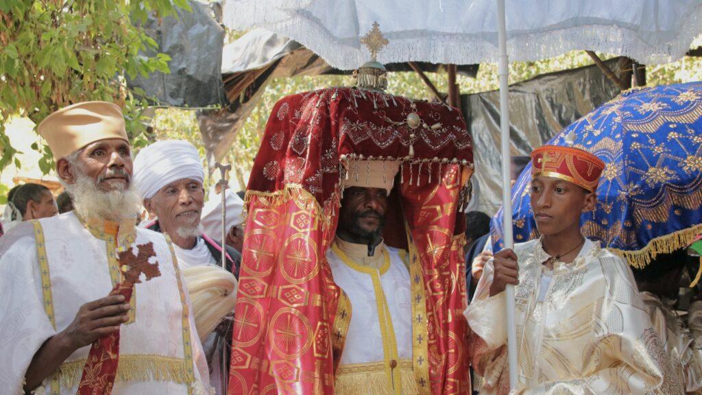 50 plus reizen op het Timkat festival